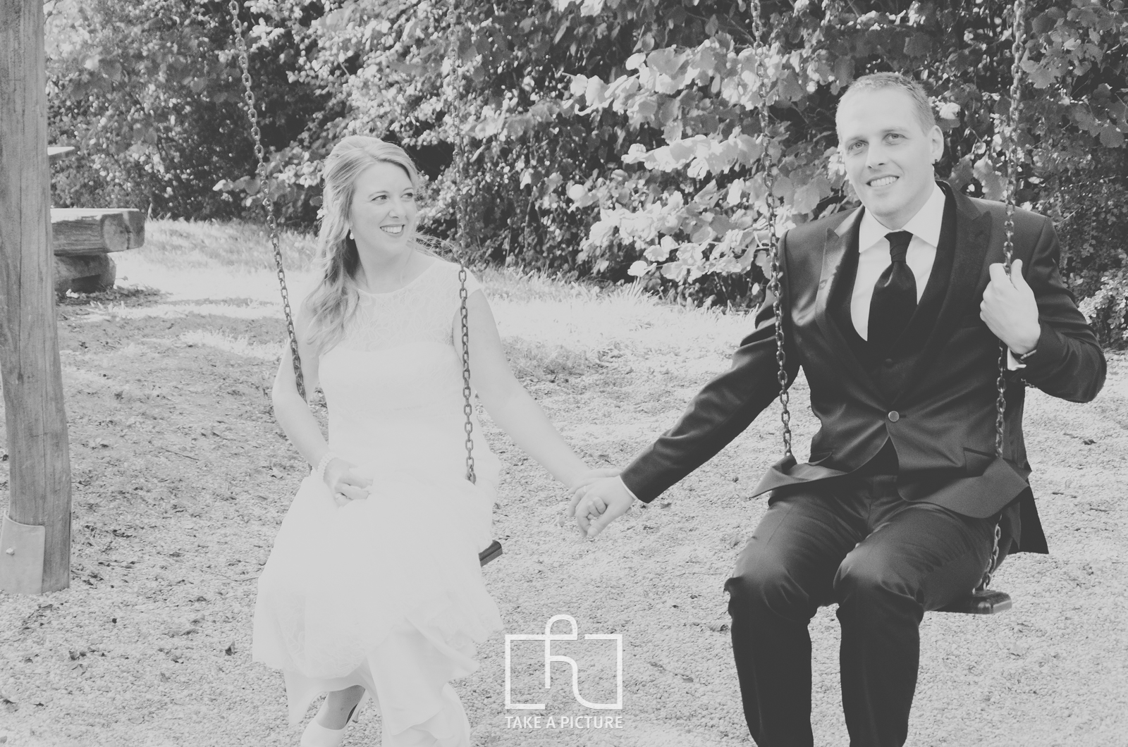 schwäbisch gmünd, lorch, aalen, take a picture, portrait, hochzeit, business, event, fotografie, photography, portraitfotografie, hochzeitfotografie, businessfotografie, eventfotografie, two people, 30-39 years, mid adult, adult, black and white, winter, photography, bride, standing, fun, ceremony, people, dress, outdoors, wedding, portrait, monochrome, horizontal, gray, men, males, women, females, candid, clothing, friendship, wedding dress, bridegroom, suit, life events, adults only, day