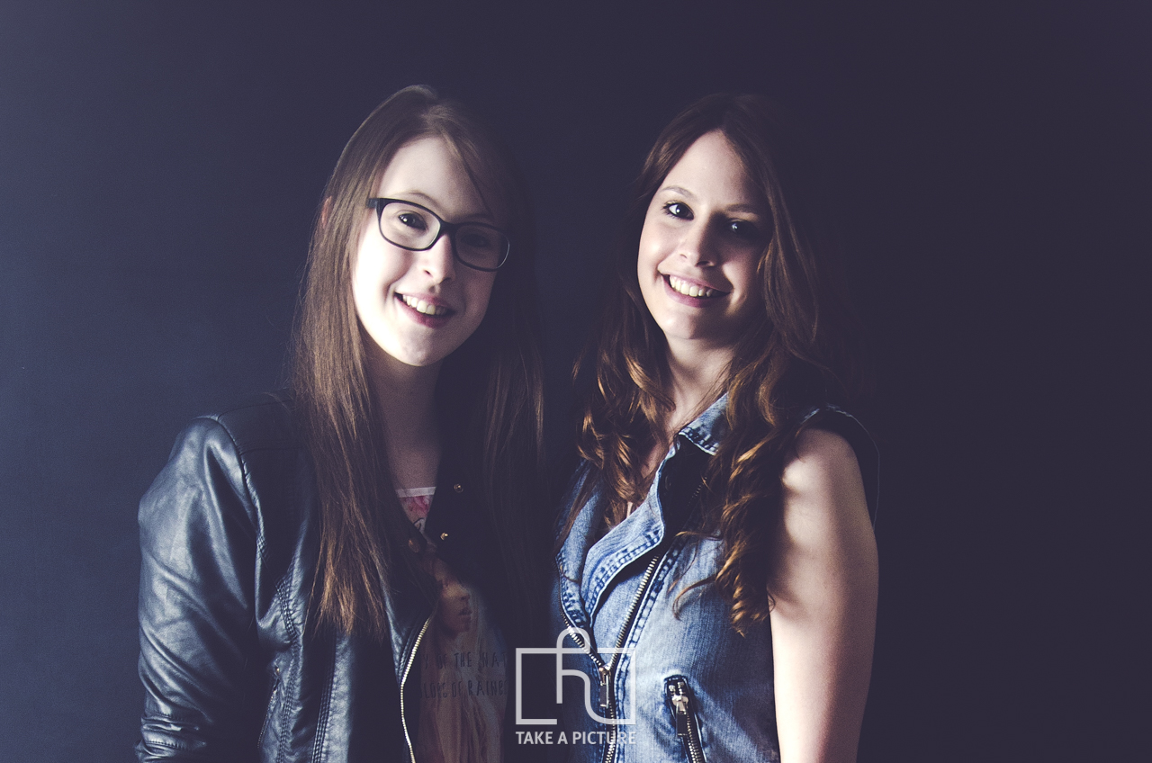 schwäbisch gmünd, lorch, aalen, take a picture, portrait, hochzeit, business, event, fotografie, photography, portraitfotografie, hochzeitfotografie, businessfotografie, eventfotografie, two people, 20-29 years, young adult, adult, eyewear, beauty, photography, fun, sunglasses, fashion, glamour, people, portrait, dark, cute, horizontal, purple, color image, women, females, eyeglasses, eyesight, focus - concept, happiness, smiling, positive emotion, sensuality, sex symbol, love - emotion, casual clothing, lifestyles, friendship, femininity, only women, beautiful people, life events, seduction, beautiful woman, natural beauty, adults only, affectionate, carefree, youth culture